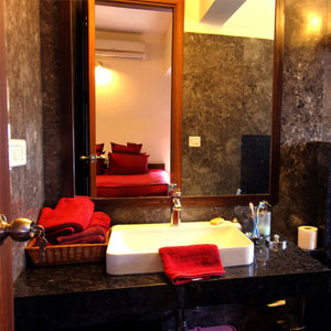 4 BHK Apartment Bathroom