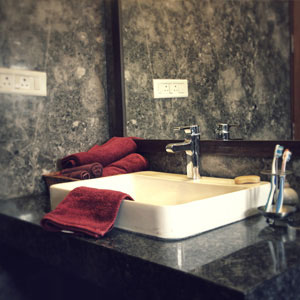 4 BHK Luxury Apartment Bathroom